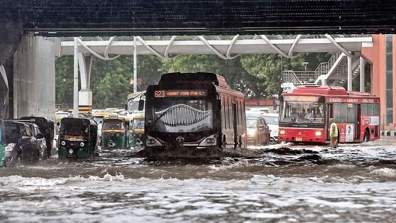 दिल्ली-यूपी समेत देश कई राज्यों में आज होगी जबरदस्त बारिश, मौसम विभाग ने जारी किया 'बहुत भारी' वर्षा का अलर्ट
