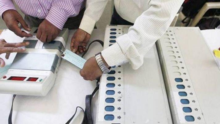 शक के घेरे में 2019 का जनादेश,  145 रिटायर्ड अधिकारियों का चुनाव आयोग को खुला खत, चुप्पी पर उठाए सवाल