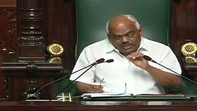 बड़ी खबर LIVE: कर्नाटक में कांग्रेस के दो बागी विधायक अयोग्य घोषित, स्पीकर ने दलबदल कानून के तहत लिया फैसला
