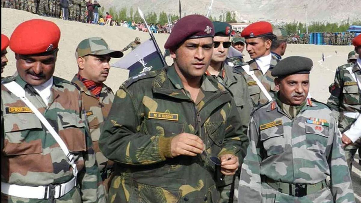 एमएस धोनी कश्मीर में आतंकियों के खिलाफ ऑपरेशन में लेंगे हिस्सा! श्रीनगर के इस हिस्से में होगी तैनाती