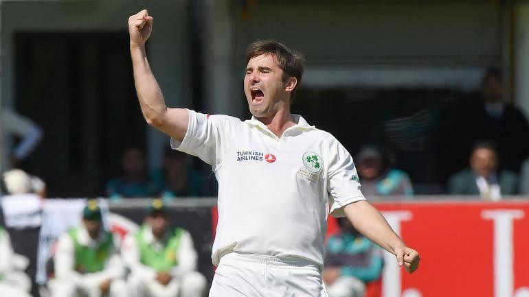 वीडियो: जानिए कौन है आयरलैंड का वो गेंदबाज, जिसके सामने 85 रनों पर सिमट गई वर्ल्ड चैंपियन इंग्लैंड