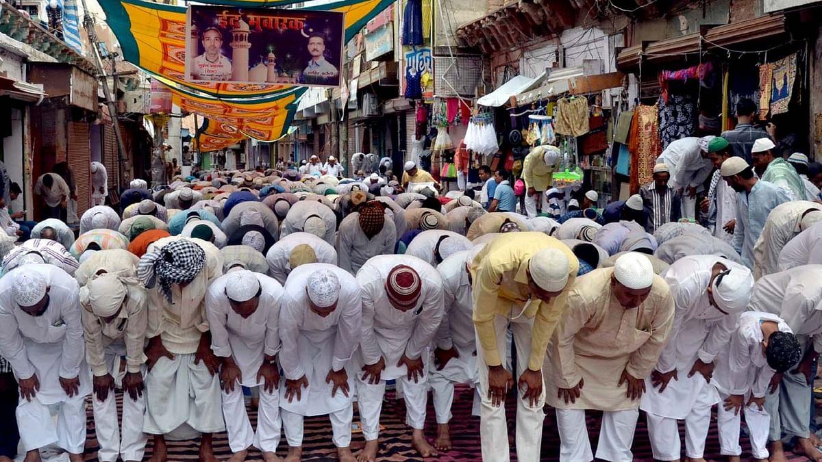 मेरठ, अलीगढ़ ही नहीं अब पूरे यूपी में सड़कों पर नहीं होगी नमाज़, डीजीपी ने जारी किया दिशा-निर्देश