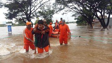 भारी बारिश से कर्नाटक, केरल, महाराष्ट्र, मध्य प्रदेश बेहाल, अगले 24 घंटे ये राज्य रहें सावधान!