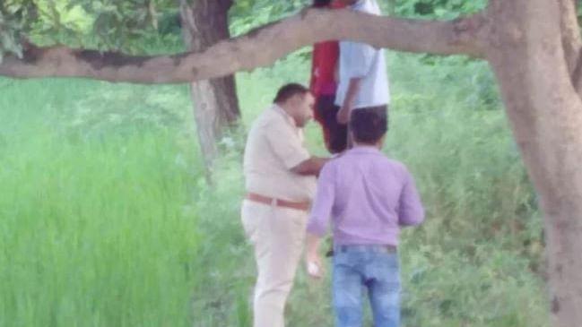 नवजीवन बुलेटिन: पेड़ से लटका मिला प्रेमी जोड़ा और पाकिस्तान ने फिर किया सीज फायर उल्लंघन, 1 भारतीय जवान शहीद