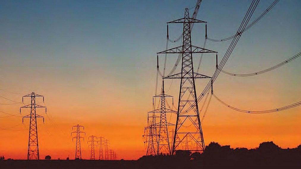 ऑटो के बाद बिजली और इंफ्रास्ट्रक्चर सेक्टर की भी निकली जान, मोदी सरकार की मार या आर्थिक मंदी?