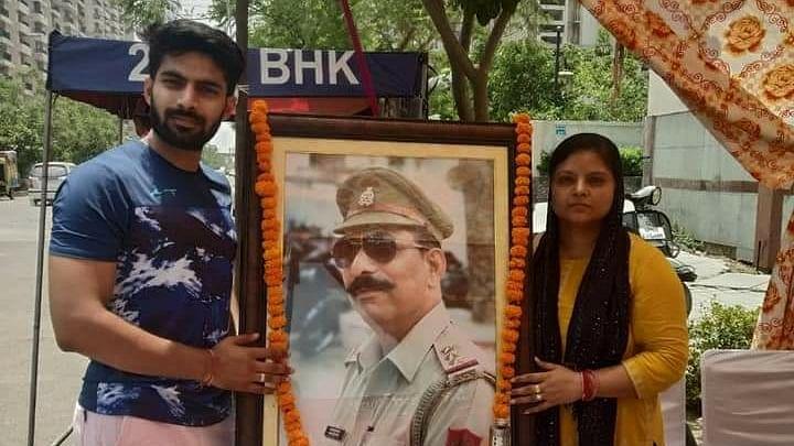 इंटरव्यू: शहीद इंस्पेक्टर सुबोध की हत्या के आरोपियों को जमानत मिलने से उनकी पत्नी आहत, कहा- आखिरी दम तक लड़ूंगी