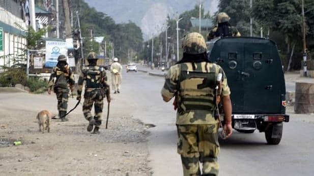 जम्मू-कश्मीर से 370 हटी, पूरे देश में सुरक्षा कड़ी की गई, शेयर बाजार टूटे- यह हैं  शाम 6 बजे की खास सुर्खियां