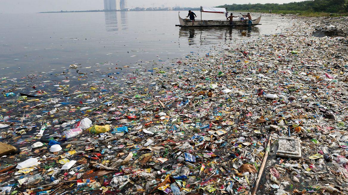 गंगा में प्लास्टिक की समस्या गंभीर, दुनिया की उन दस नदियों में शामिल जो महासागरों को कर रही हैं तबाह