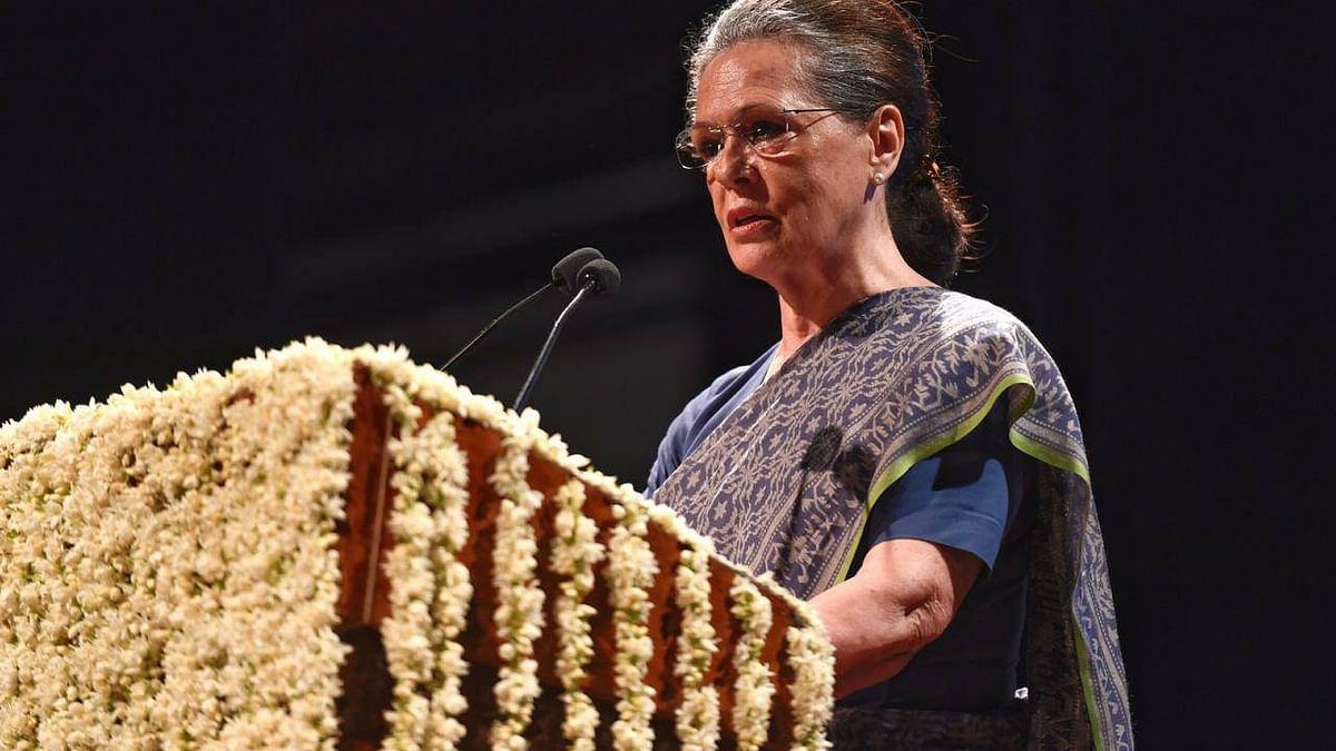 कांग्रेस की कमान एक बार फिर सोनिया गांधी के हाथ में, नया अध्यक्ष  चुने जाने तक अंतरिम रूप से संभालेंगी पद