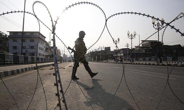 गंभीर खतरे में वतन में 'आजादी',  सबको मिलकर लड़ना होगाः मनमोहन सिंह