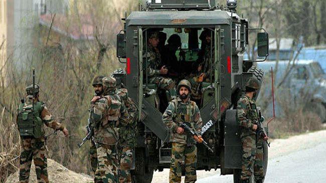 जम्मू-कश्मीर: आतंकवादियों ने लोगों पर बरसाईं गोलियां, बच्ची समेत 4 लोग घायल, भारतीय सेना ने दिया मुंहतोड़ जवाब