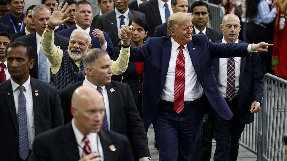 'हाऊडी मोडी' में पीएम ने किया भारत की विदेश नीति का उल्लंघन, ट्रंप के लिए किया चुनाव प्रचार: आनंद शर्मा