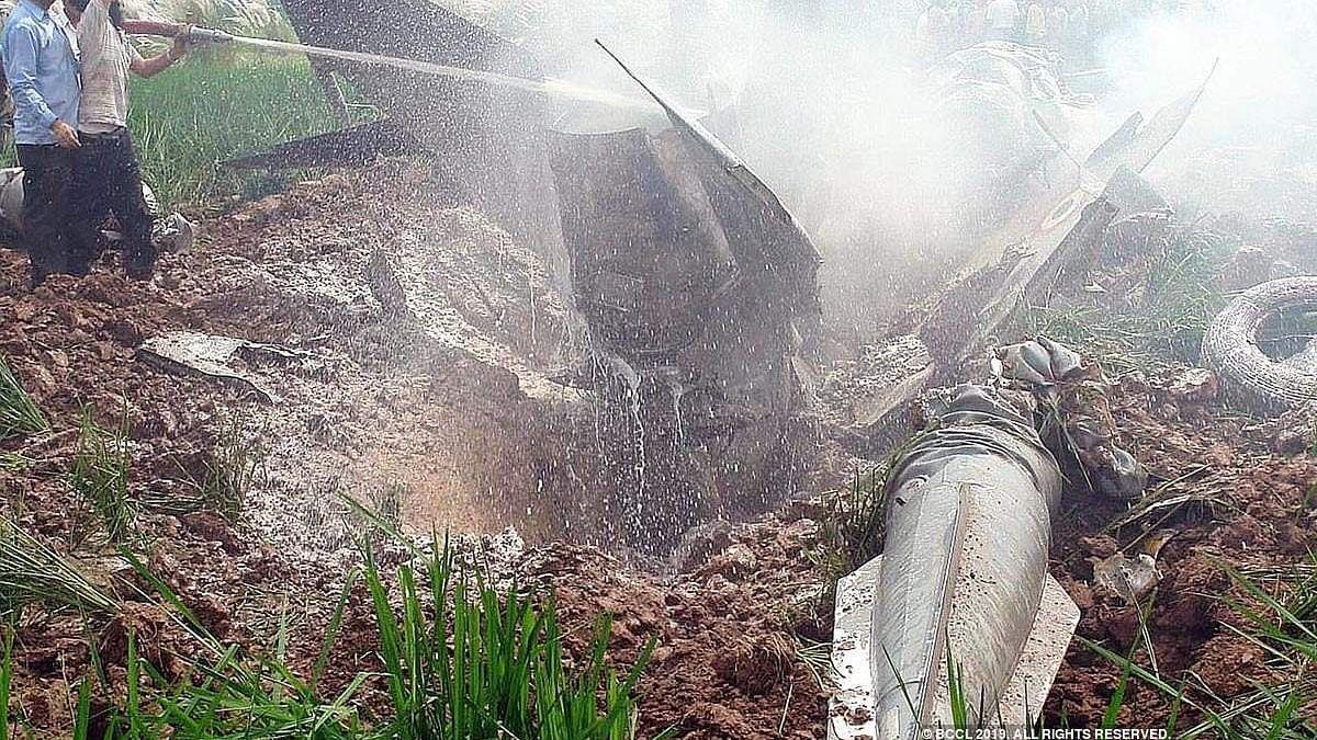 नवजीवन बुलेटिन: मध्य प्रदेश में वायुसेना का MIG-21 विमान क्रैश और हाईकोर्ट ने आजम खान की गिरफ्तारी रोकी