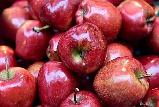 खाद्य मंत्री पासवान ने खरीदा 420 रुपये किलो सेब, दुकानदार ने लगा दिया चूना, भड़के मंत्री जी ने दिया ये आदेश