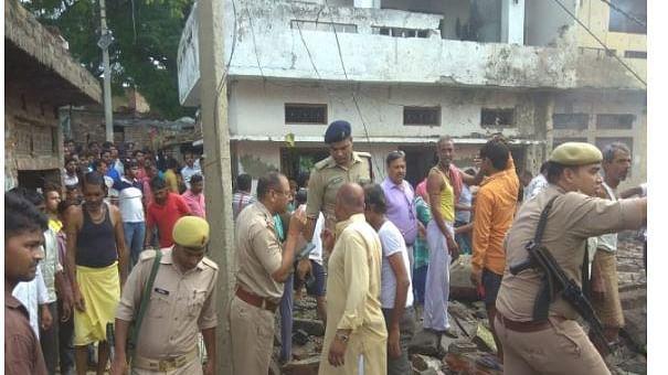 नवजीवन बुलेटिन: उत्तर प्रदेश में पटाखा फैक्ट्री में धमाका, 4 की मौत और असेंबली इलेक्शंस को लेकर कांग्रेस का केंद्र  से सवाल