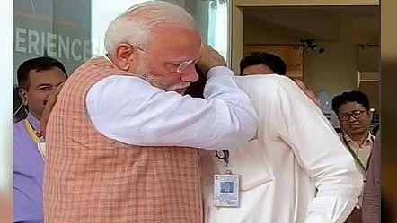 चंद्रयान-2 से संपर्क की कोशिश में लगे ISRO पर गिरी मोदी सरकार की गाज, हजारों कर्मियों का कटा वेतन !