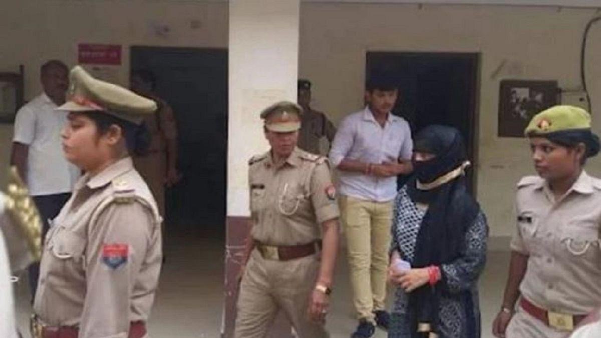 चिन्मयानंद पर रेप का आरोप लगाने वाली छात्रा को 14 दिन की न्यायिक हिरासत, SIT ने किया था गिरफ्तार