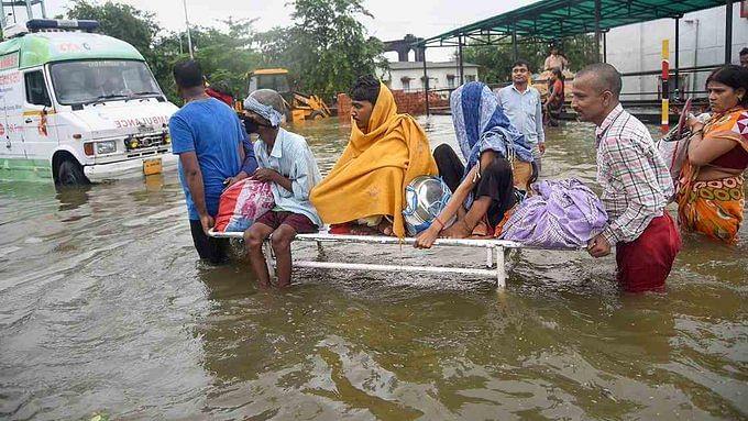 बिहार: मोदी के मंत्री ने बाढ़ पीड़ितों को किया आहत, तबाही के लिए 'नक्षत्र' को ठहराया जिम्मेदार, तेजस्वी का तंज