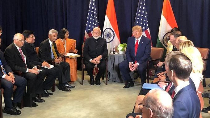 बड़ी खबर LIVE: ट्रंप ने पीएम मोदी को बताया भारत का पिता,  ट्रेड डील पर बातचीत जारी