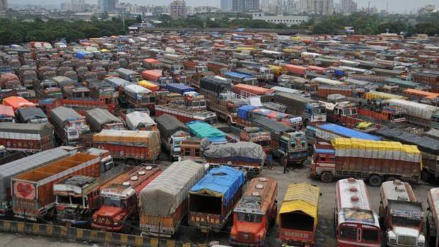 नए मोटर वाहन कानून के खिलाफ आज ट्रांसपोर्टरों की हड़ताल, दिल्ली-एनसीआर में आमलोगों को हो सकती है मुश्किल