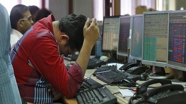 आर्थिक बदहाली का कहर जारी, सप्ताह के पहले दिन ही  शेयर बाजार  धड़ाम, निवेशकों के 2.80 लाख करोड़ डूबे