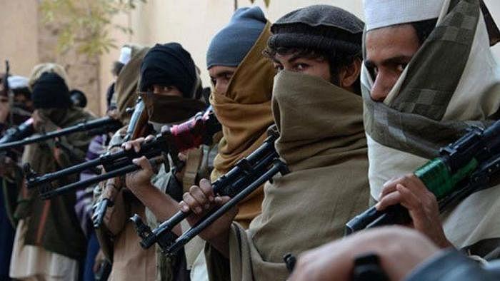 नवजीवन बुलेटिन: जम्मू-कश्मीर में आतंकियों ने फिर की गोलीबारी और चंद्रयान से संपर्क टूटने पर फूट-फूट कर रोए इसरो चीफ