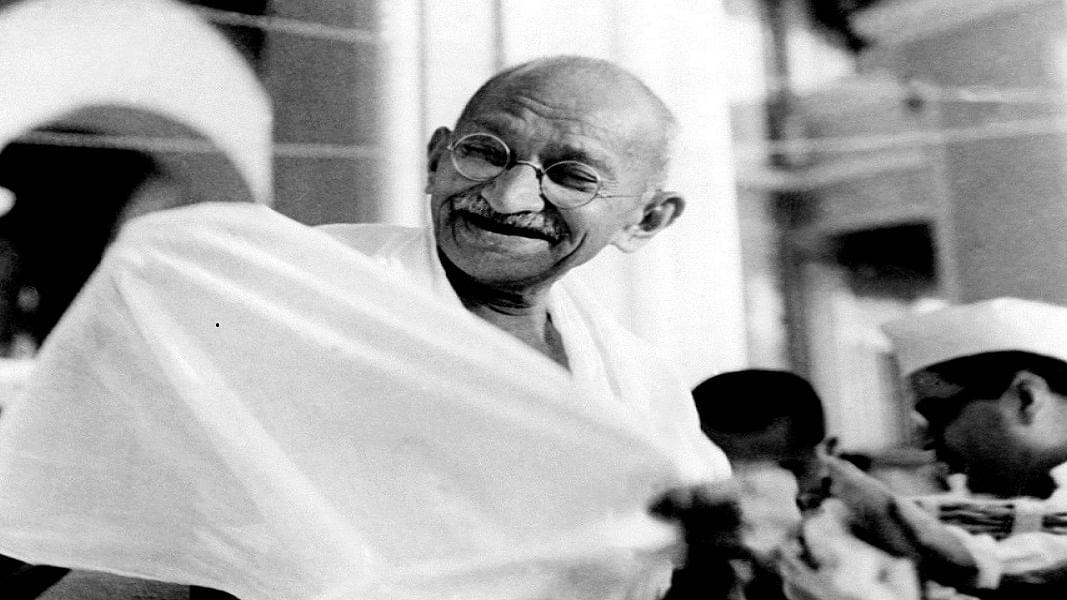 आज इस्तीफा देने वाले अफसरों के भीतर से गांधी ही बोल रहे, देश में जल्द जगेगी चेतना