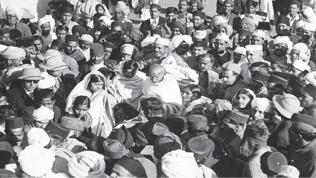 खरी-खरीः गांधी का धर्म एकांगी नहीं, उसमें पूरी मानवता है