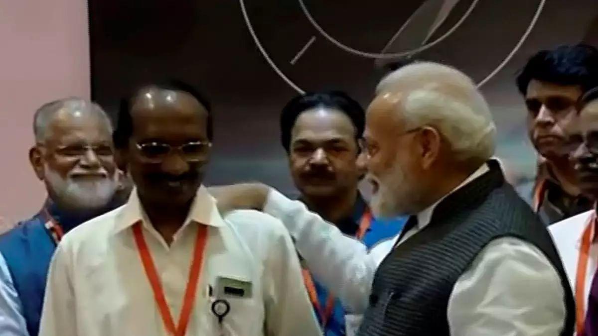 चंद्रयान-2 मिशन पर ISRO को पक्ष विपक्ष सब ने दी बधाई, जानिए किसने क्या कहा