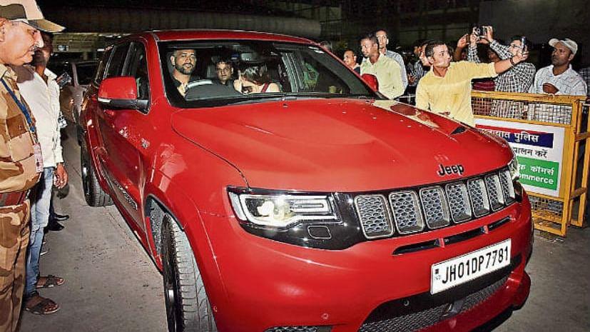 महेंद्र सिंह धोनी ने खरीदी नई जीप मिडसाइड एसयूवी, कीमत जानकर रह जाएंगे दंग