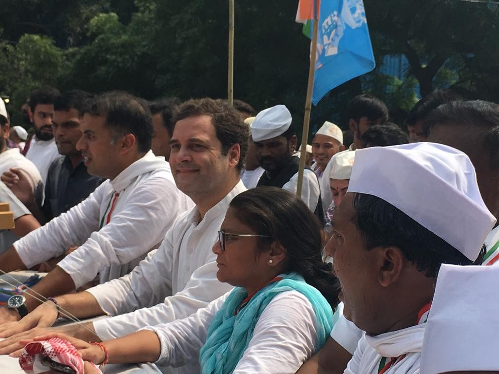 कांग्रेस की पद यात्रा के दौरान राहुल गांधी
