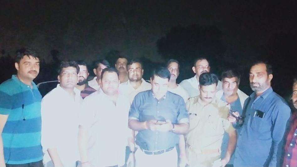 दिल्ली पुलिस स्पेशल सेल ने किया मेरठ में एनकाउंटर, 3 बदमाश गिरफ्तार, लूटी थीं एके-47