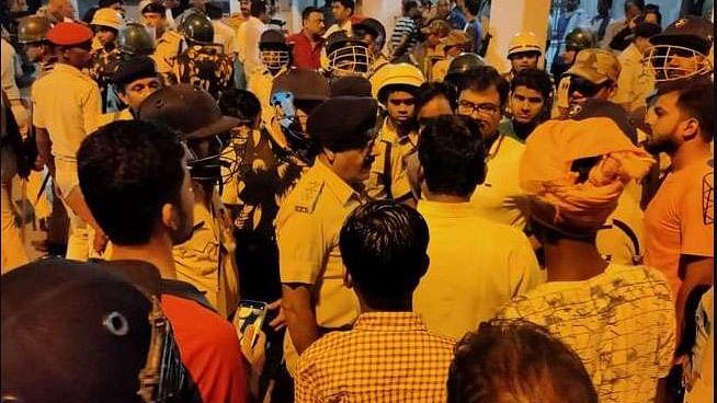 नवजीवन बुलेटिन: दिवाली की रात बिहार में 7 लोगों की हत्या और उप-मुख्यमंत्री बनने पर दुष्यंत चौटाला ने दी सफाई