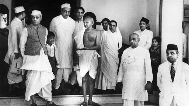राम पुनियानी का लेख: राष्ट्रपिता तो बापू ही हैं, किसी ट्रंप के कहने भर से किसी और को नहीं मिलने वाला यह सम्मान