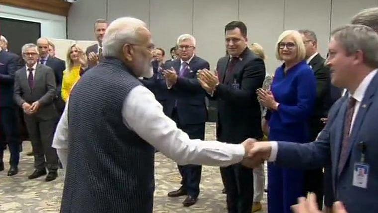 यूरोपीय सांसदों के कश्मीर दौरे पर राहुल गांधी ने मोदी सरकार को घेरा, देश के सांसदों को रोकने पर उठाया सवाल