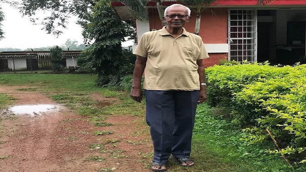 83 साल के बुजुर्ग के फेसबुक पोस्ट से सहमी झारखंड सरकार, पुलिस ने फरार बता की घर की कुर्की-जब्ती