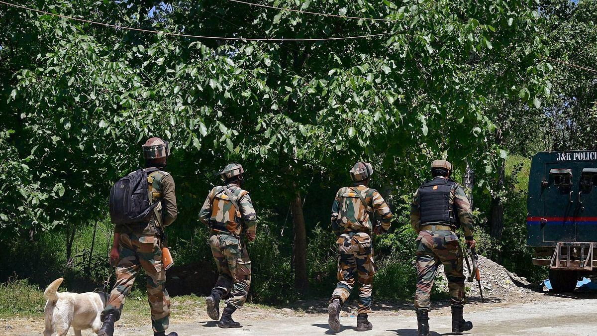 यूरोपीय संसद के सदस्यों के कश्मीर दौरे के बीच पुलवामा में आतंकी हमला, परीक्षा केंद्र को बनाया निशाना