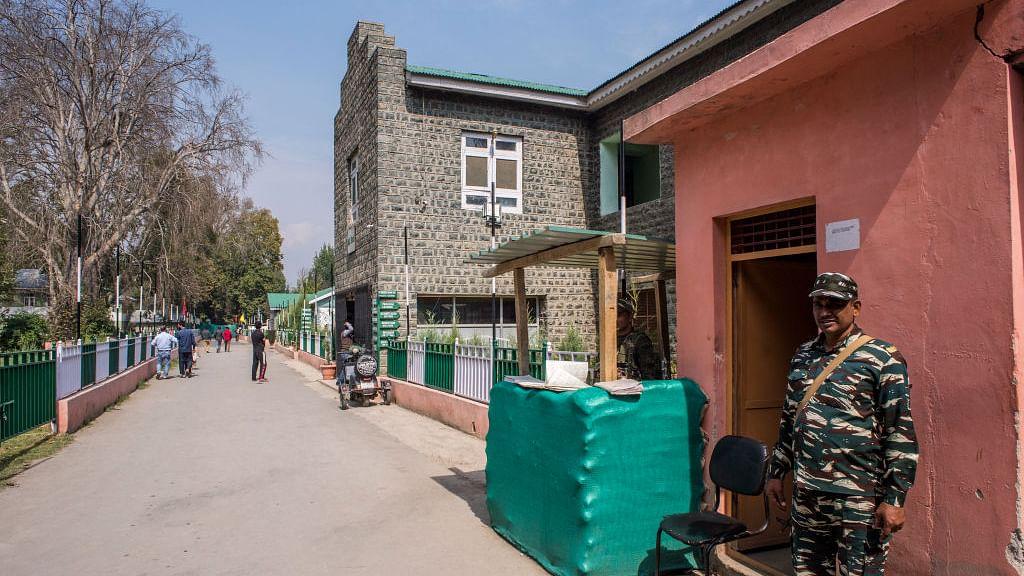 कश्मीर में 10 अक्टूबर से हट जाएगी पर्यटकों के आने पर लगी पाबंदी, हालात सामान्य होने का सरकार का दावा