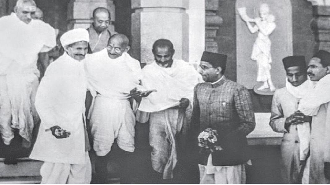 मोदी के बनारस में वैचारिक उग्रवाद, पर मन में आज भी बसे हैं गांधी