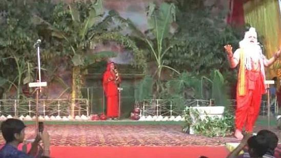 वीडियो: रावण के भेष में बीजेपी विधायक का अमर्यादित बोल, कहा- सीता मेरी जान, भड़के लोग