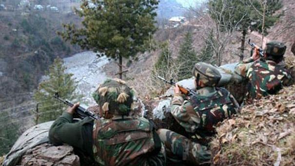 नवजीवन बुलेटिन: पाकिस्तान ने घाटी में की गोलीबारी, 1 BSF जवान घायल और दिल्ली पुलिस ने जब्त किया 800 किलो गांजा