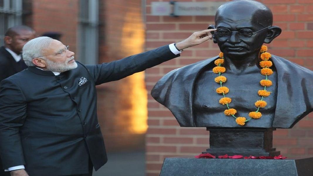 सत्ता मिलना ही जब बन जाए सफाई, तो गांधी जी का चश्मा भी कैसे ला पाएगा स्वच्छता