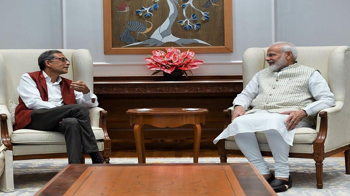 जिन अभिजीत बनर्जी पर मोदी सरकार के  मंत्री कस रहे थे ताने, आखिर प्रधानमंत्री को उनसे मिलकर कैसे हुआ गर्व !