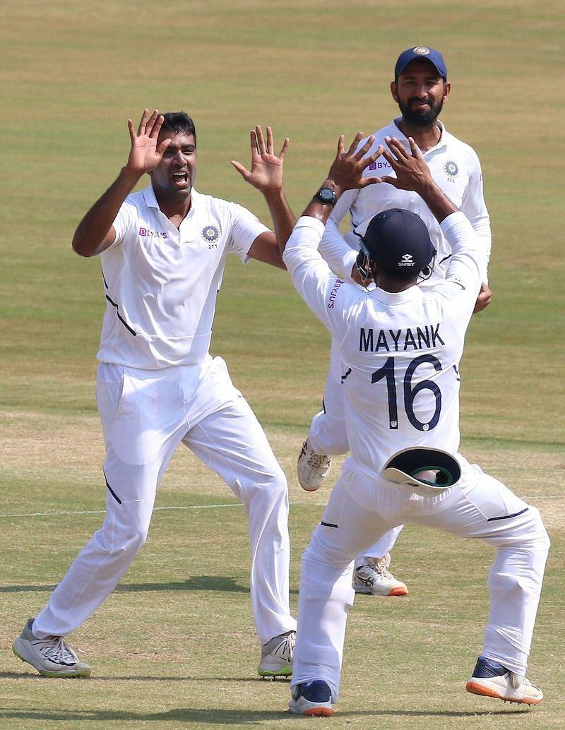 IND Vs SA 1st Test Match: टीम इंडिया ने साउथ अफ्रीका को 203 रनों से हराया, सीरीज में 1-0 की ली बढ़त