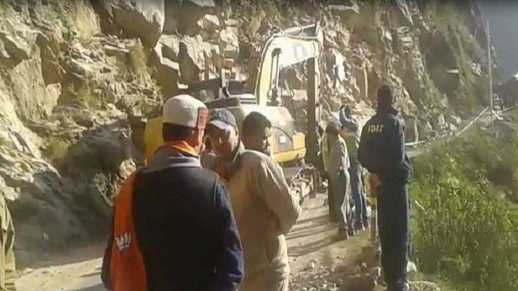 उत्तराखंड: केदारनाथ यात्रा मार्ग पर बोल्डर गिरने से कोहराम, 8 लोगों की दर्दनाक मौत, कई घायल