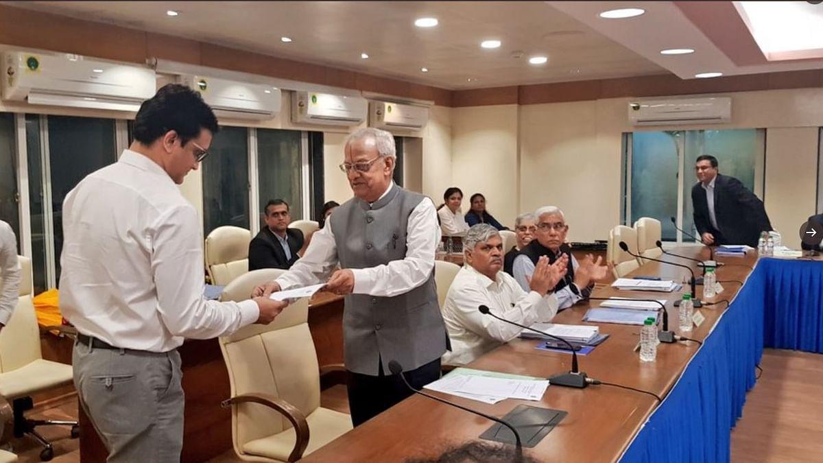 नवजीवन बुलेटिन: BCCI के 39वें अध्यक्ष बने सौरव गांगुली और जम्मू-कश्मीर में गजवत-उल-हिंद से जुड़े तीन आतंकी ढेर