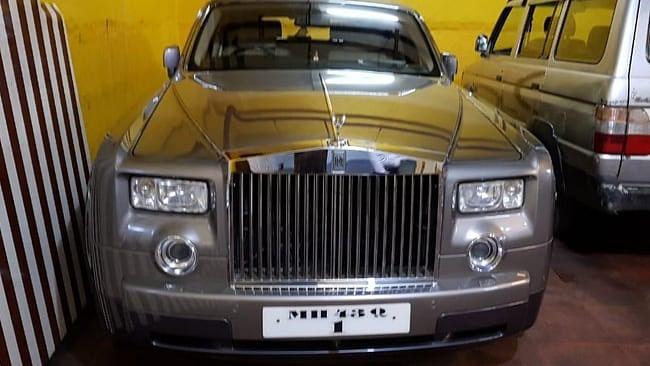 PMC बैंक घोटाला: ED के छापे में मिले 6 करोड़ की कीमत वाली दो रॉल्स रॉयस, 12 मंहगी कारें जब्त