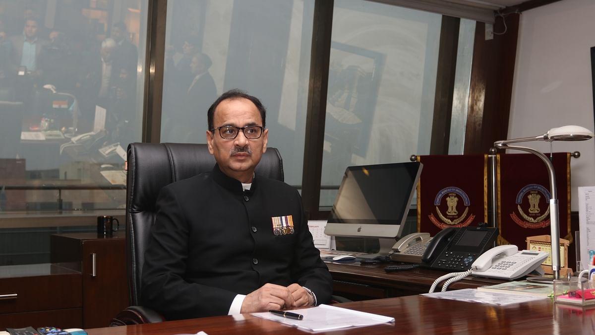 आलोक वर्मा को भारी पड़ा मोदी सरकार के कदम का विरोध, सेवानिवृत्ति लाभ के लिए भटक रहे हैं पूर्व सीबीआई प्रमुख