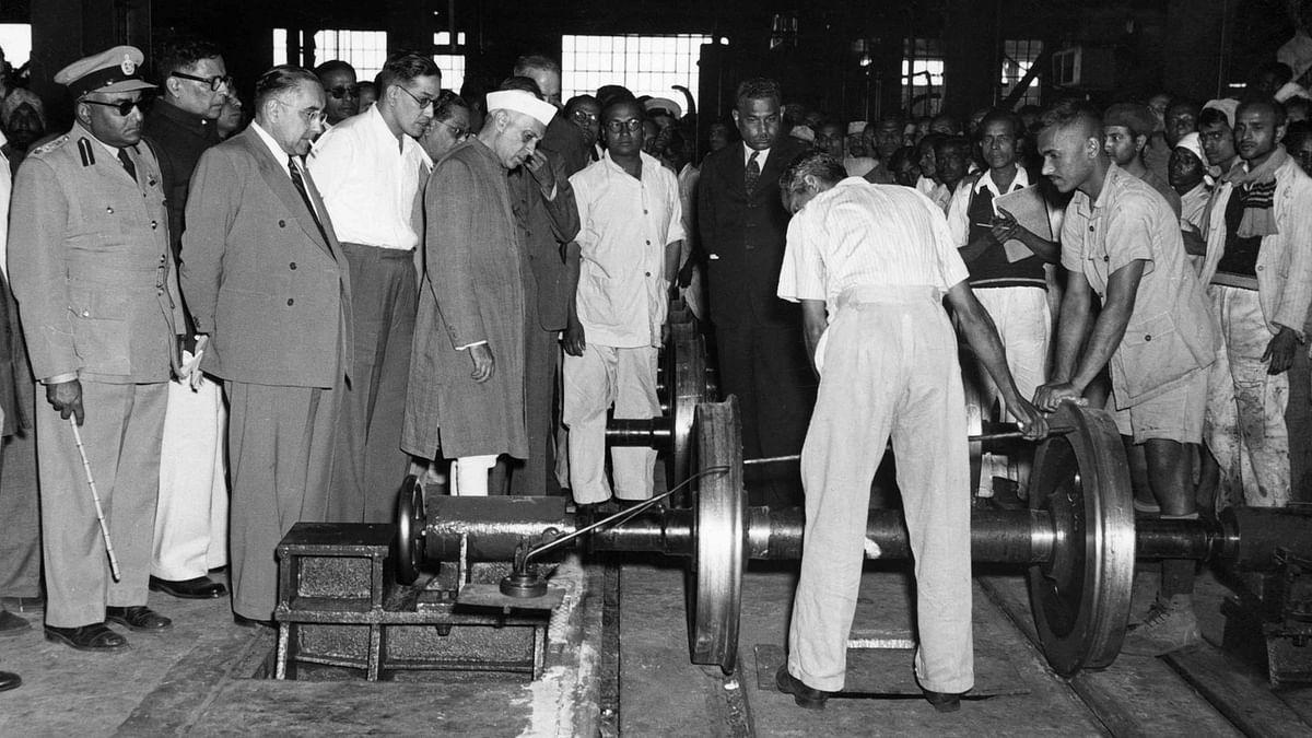 पढ़ें  आधुनिक भारत के निर्माता पंडित नेहरू के उन 5 फैसलों के बारे में जिसने बदल दी देश की तस्वीर