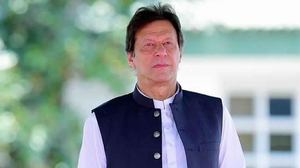 अचानक छुट्टी पर गए इमरान खान की सरकार पर छाए अनिश्चितताओं के बादल, विरोधी बोले-लंबी छुट्टी पर जाने वाले हैं
